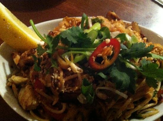 Asia Joe's: Chicken Pad Thai