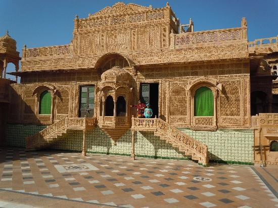 Hotel swimming pool photo de welcomheritage mandir - Jaisalmer hotels with swimming pool ...