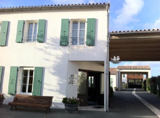 Hotel La Galiote : Eingang zur Rezeption, Innenhof