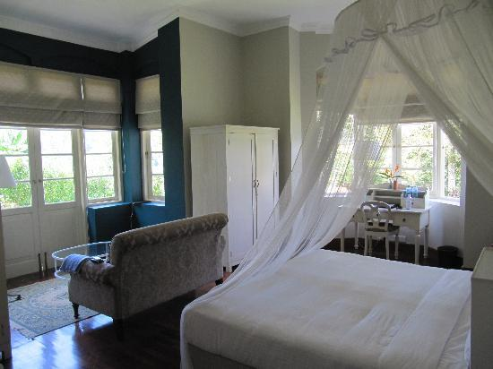 Ceylon Tea Trails: bedroom at Castlereagh