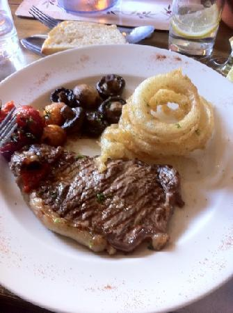 The Cricketers Arms: sirloin steak