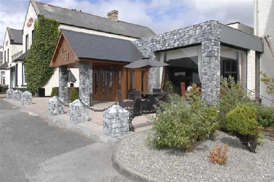 Yeats Country Hotel, Spa and Leisure Centre: Front of Hotel