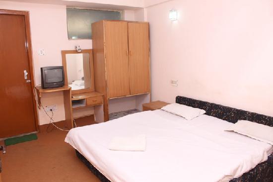Anamika Hotel: Room