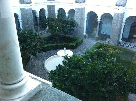 Pousada Convento Arraiolos: Blick in den Innenhof
