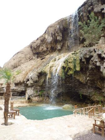 Ma'In Hot Springs: la cascade derrière le SPA