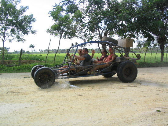 Bavaro, République dominicaine : Xtreme Buggy drive ~ 50 miles on the half day excursion, Great with Friends