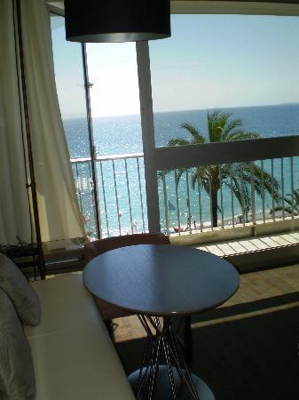 โรงแรมเลอเมอริเดียน นีซ: room