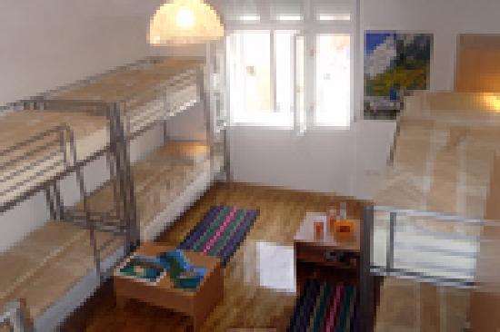 Hostel Split Backpackers: shared 8 bed room