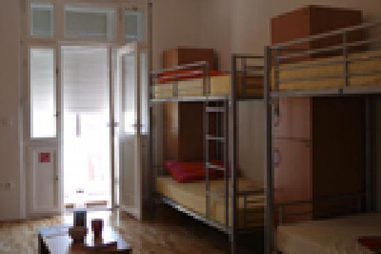 Hostel Split Backpackers: eight bed room