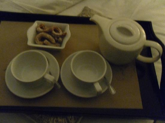 เดอะ บูติค เบด แอนด์ เบรคฟาสท์: churros and hot chocolate