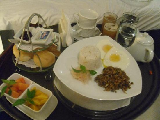 The Boutique Bed & Breakfast: filipino breakfast