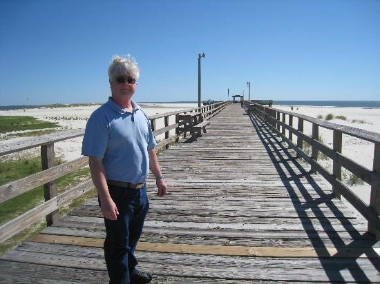 The pier picture of dauphin island public beach dauphin for Dauphin island fishing pier