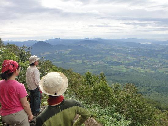 Mountain Guide Coyote: 羊蹄6合目からの眺め