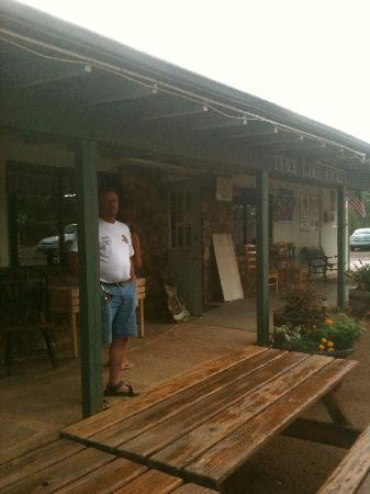 Lynx Lake Store Cafe: Outside front door
