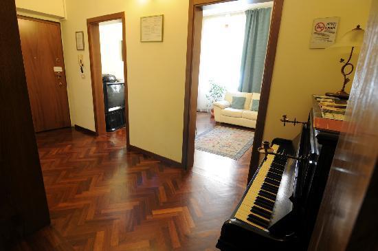 Aramis Rooms: L'ingresso