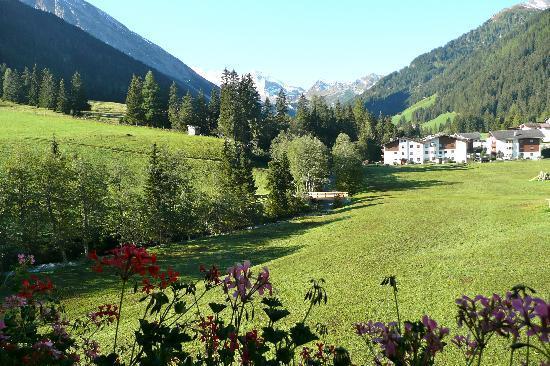 Hotel Eden: Blick aus der großen Panoramasuite auf den Gletscher