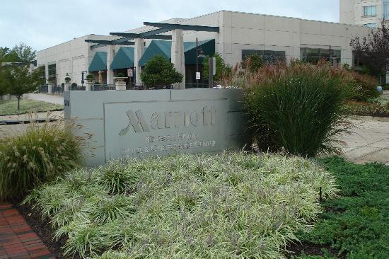 Bethesda North Marriott Hotel & Conference Center: Hotel sign