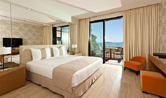 Hostellerie la farandole hotel sanary sur mer voir les tarifs et 588 avis - Chambres d hotes sanary sur mer ...