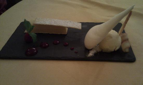 The Gallery Restaurant: Deconstructed lemon meringue
