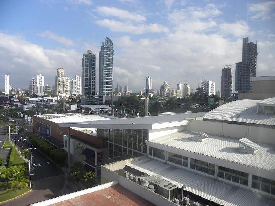 Courtyard Panama at Multiplaza Mall: vista desde la habitacion