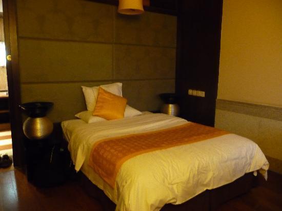 Upper Zen Hotel: chambre