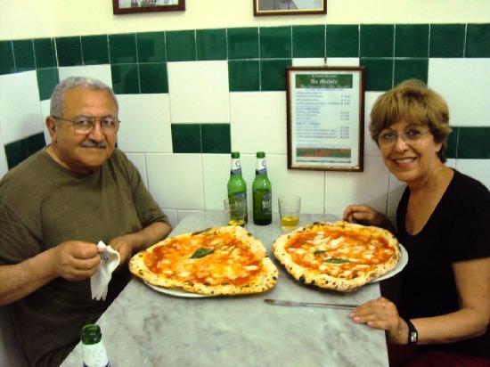 L'Antica Pizzeria da Michele: en la PIZZERIA DA MICHELLE