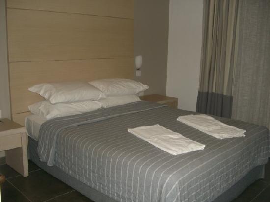 แคปิตอลโคสท์ รีสอร์ทแอนด์สปา: Lovely huge comfy bed