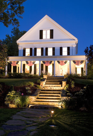 Liberty Hill Inn: Soft Summer Nights