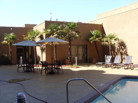 Crowne Plaza Sacramento: Pool Deck