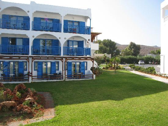 Mitsis Rinela Beach Resort & Spa: one of the garden blocks
