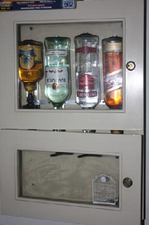 Panama Jack Resorts Cancun: bar dans la chambre