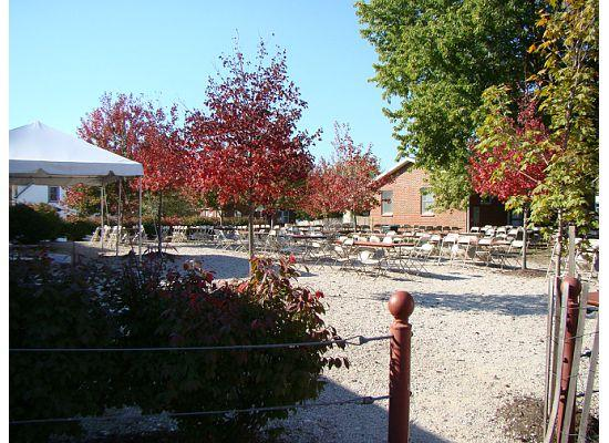 Hermann, MO: Beer garden behind Tin Mill Brewery