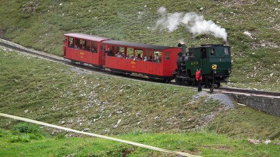 Brienz, Zwitserland: Steam in the Mountain