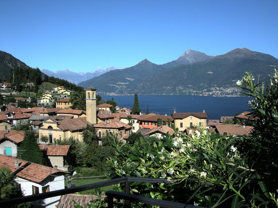 Menaggio, Italie : View over Croce from garden terrace