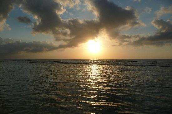 Hidden Beach Resort by Karisma : Typical sunrise