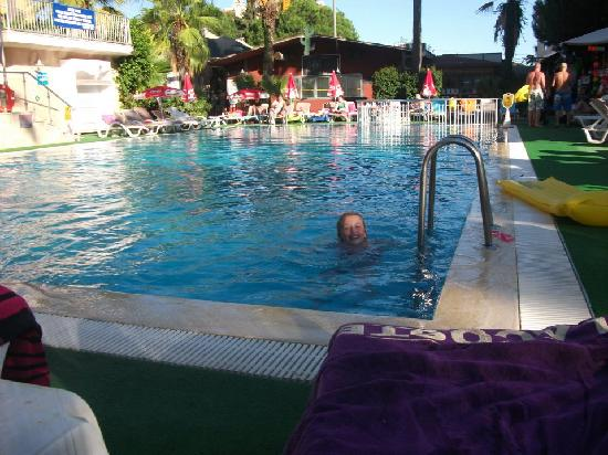 Club Atrium Apartments: the other pool
