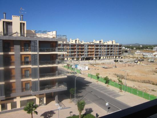 Real Marina Residence: Some of the buildings still under construction (construction stopped?)