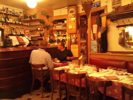 Au Petit Bouchon Chez Georges : Interior