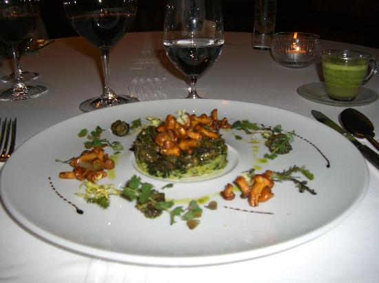 Hotel Restaurant Regis & Jacques Marcon : Escargot de Grazac