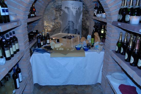 Hotel Silvana: Cantina dei vini