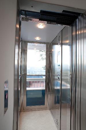 Hotel Silvana: ascensore