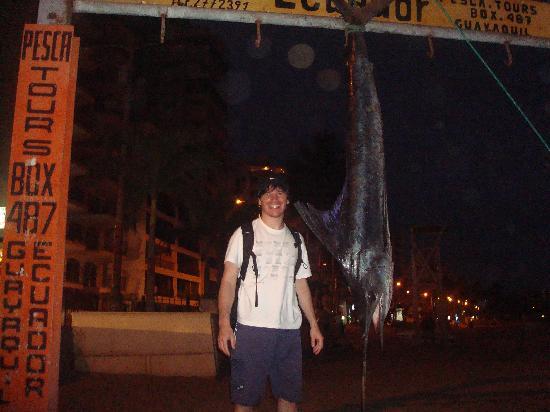 Cocos Hotel: Pesca en Salinas.