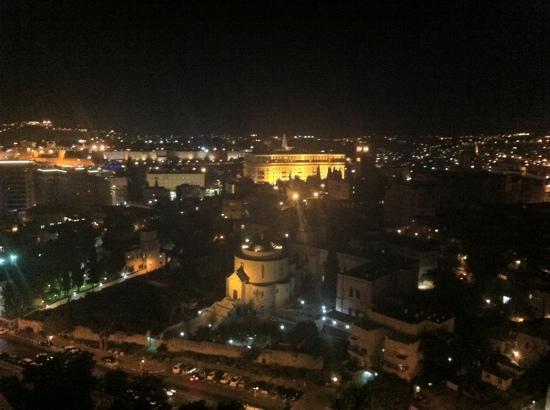 Leonardo Plaza Hotel Jerusalem: the old city from the room (-;