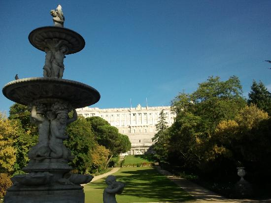jardines del moro y palacio real de madrid