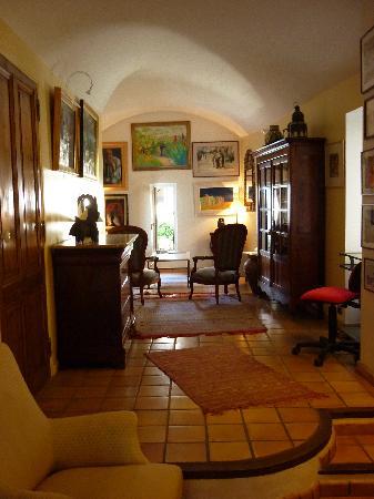 L'Evêché: the lounge