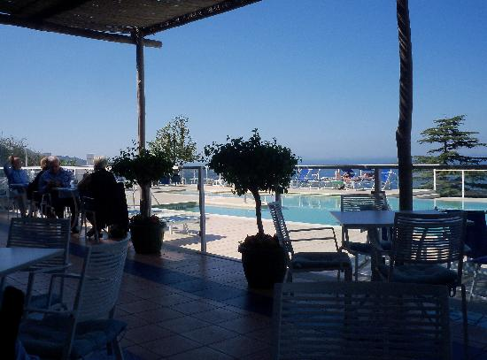 Art Hotel Gran Paradiso: the hotel pool