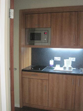 Four Points by Sheraton München Central: mini kitchen