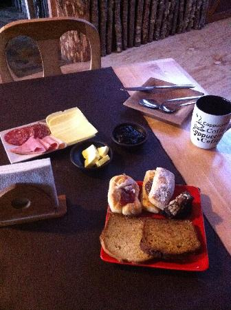 Hostal Amerindia Patagonia: Breakfast