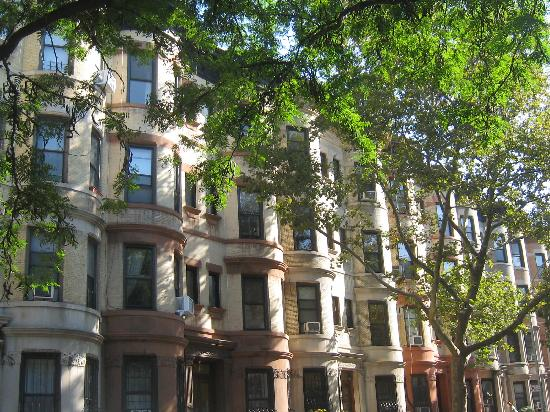 A Tour Grows in Brooklyn : Brownstones in Parkslope