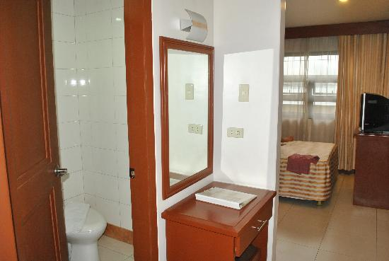 Hotel Cosmopolitan: Standard Room
